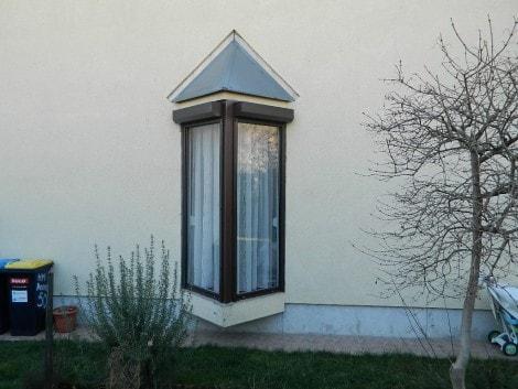Fa ablakok redőnnyel