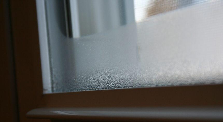 A Páralecsapódás csökkentése az üvegfelületen - Miért alakul ki a pára az ablak alján?