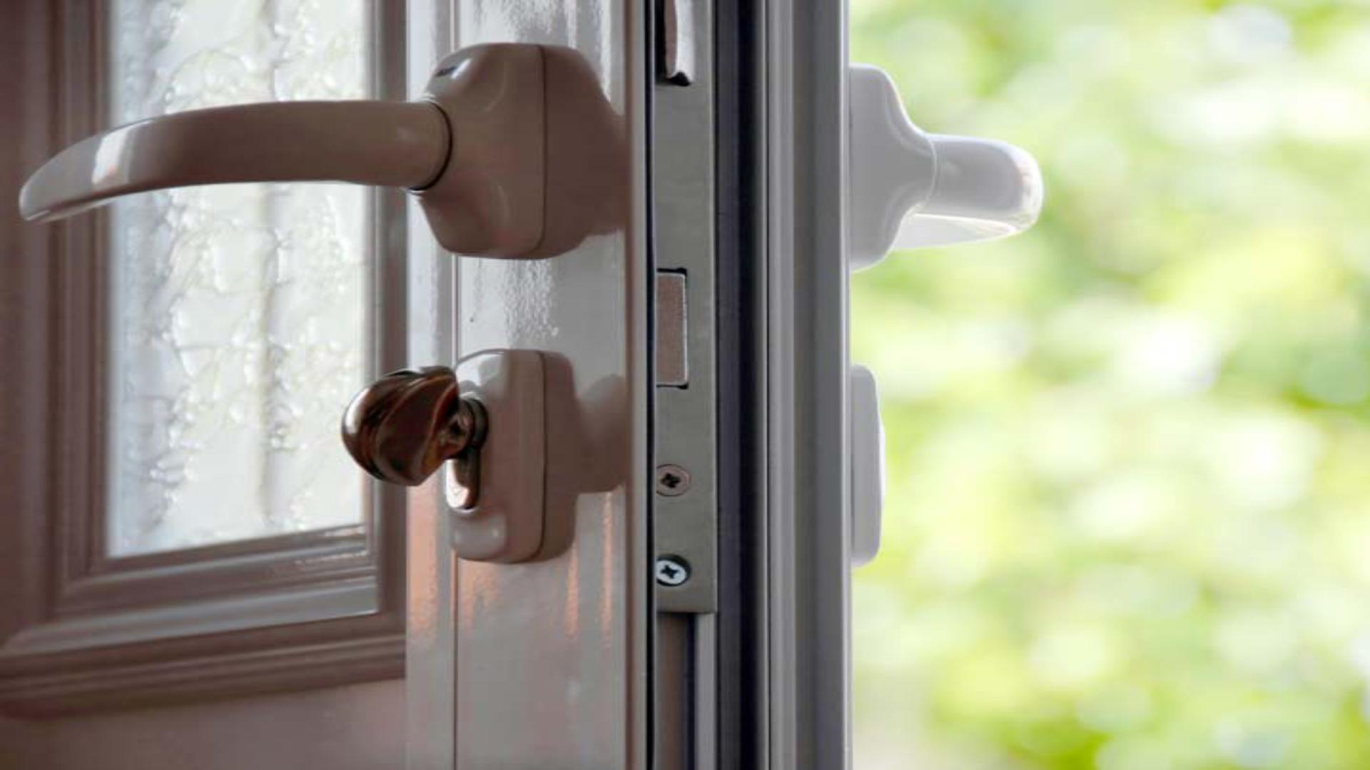 Miért nem záródik rendesen a műanyag bejárati ajtó